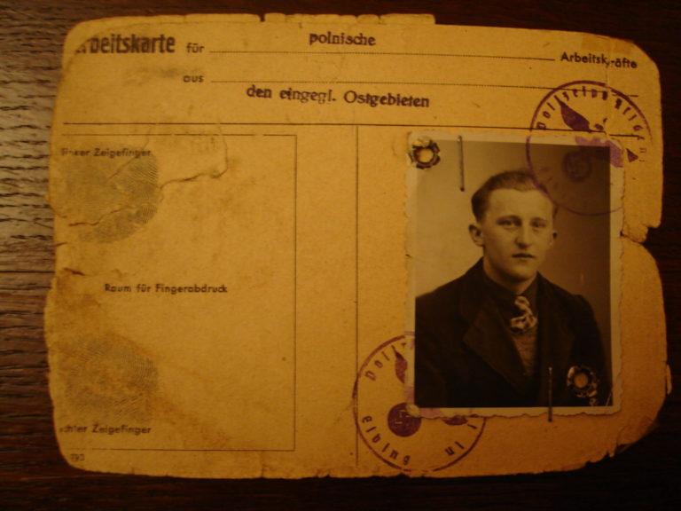 Arbeitskarte von Anton Groth, ausgestellt vom Arbeitsamt Elbing am 14. Juni 1944 © Fundacja Ośrodka Karta, Warschau