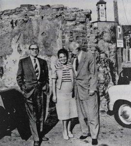 Kurt Bundzus (rechts) mit seiner Frau und der Vater von Marcel Tuchman, nach 1945 © Privatbesitz / Metropol Verlag
