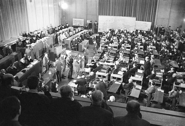 Der Auschwitz-Prozess im Frankfurter Rathaus. Frankfurt am Main, 20. Dezember 1963 © imago images / United Archives